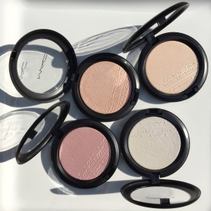 MAC In the Spotlight Extra Dimension Skinfinish: Review & Swatches