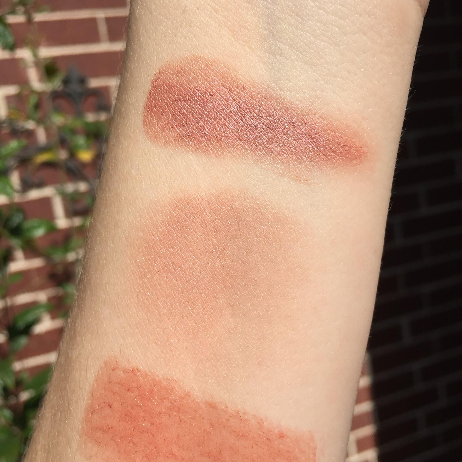 Cream Blush by cle de peau #18