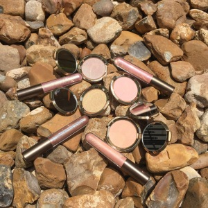 Becca Light Chaser Highlighters & Liquid Crystal Lip Topper: Review & Swatches