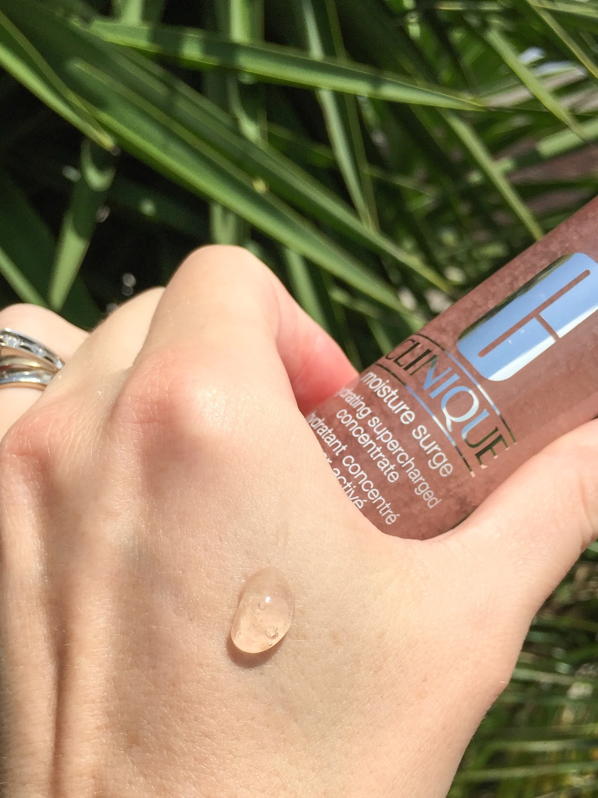 Clinique Moisture Surge Hydrating Supercharged Concentrate Review The Beauty Endeavor