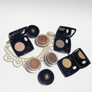 Chanel Ombre Premiere Eyeshadow: Review & Swatches